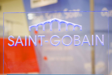 Saint-Gobain logo etched in glass