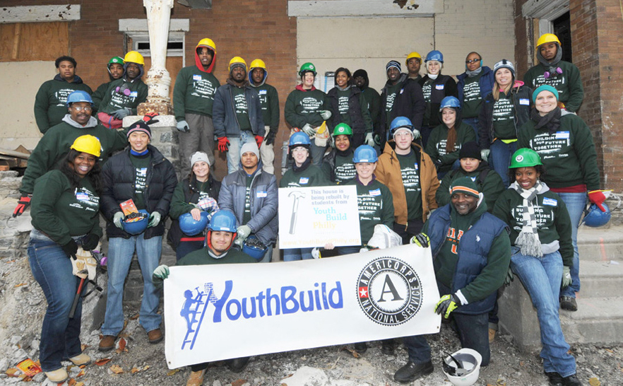 Saint-Gobain employees team up with YouthBuild students